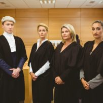 Recht op aftrek voorbelasting advocaatkosten procedure dga